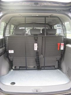 Picture of Hyundai I-load cargo barrier behind rear seats
