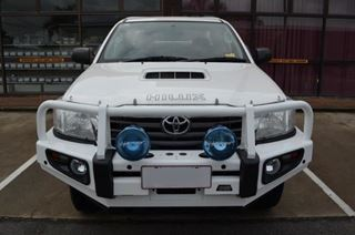 Picture of Dobinsons Deluxe Bullbar Colorcoded - Suits Hilux (10/11 - 06/15)